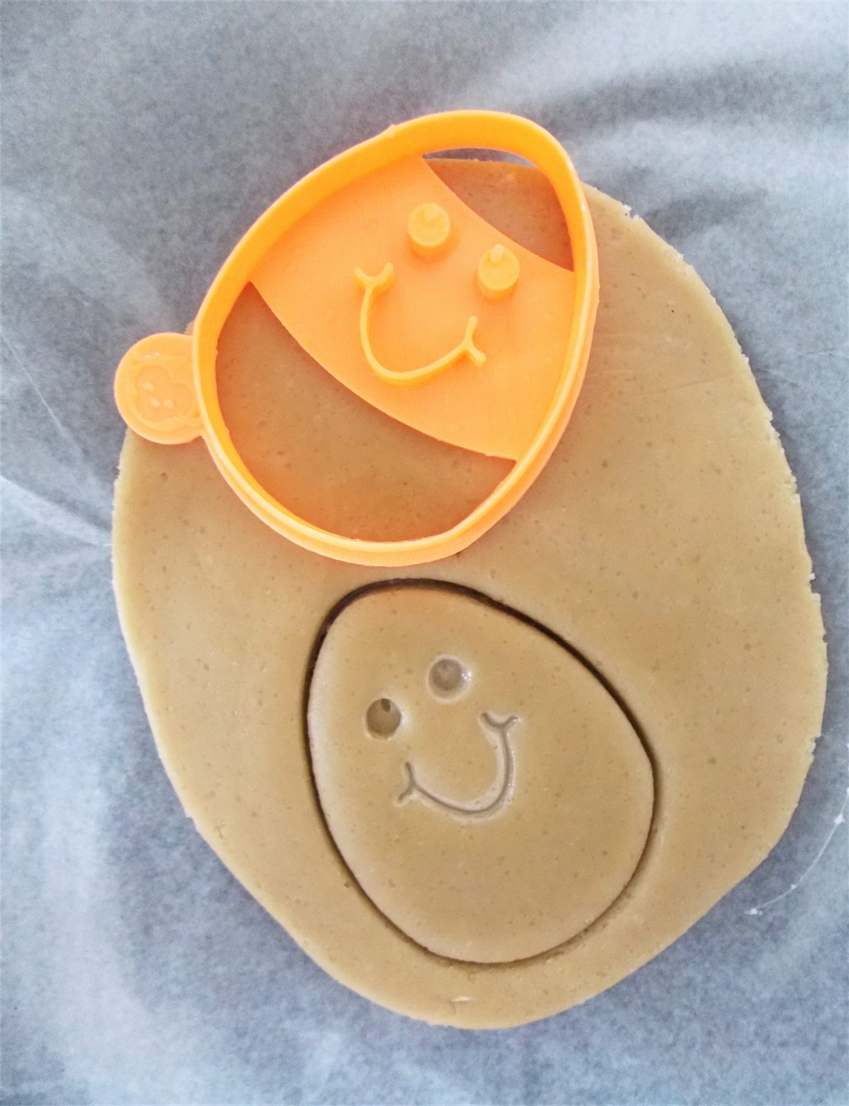 Egg Face Happy Cookie Cutter