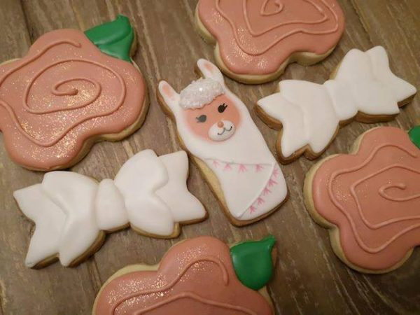 white bow cookies