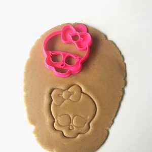 Skull With Bow Cookie Cutter