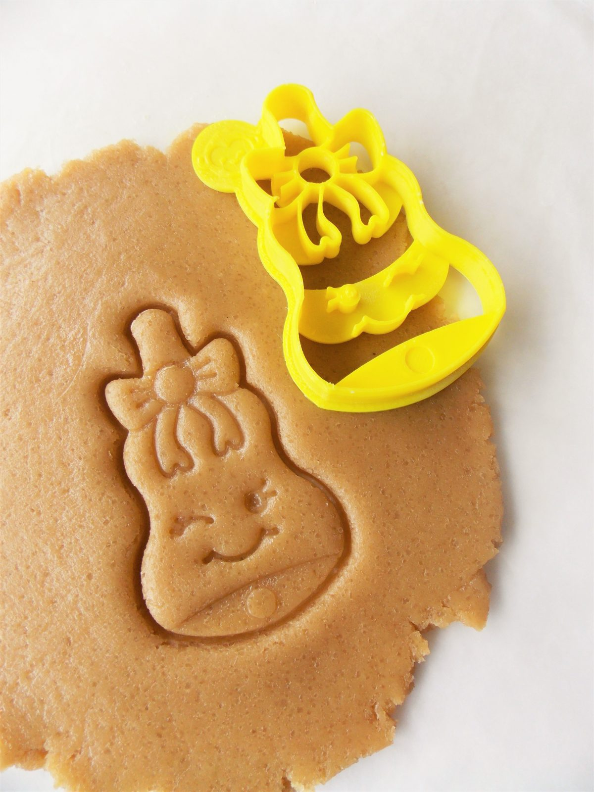 Bell With Bow Cookie Cutter
