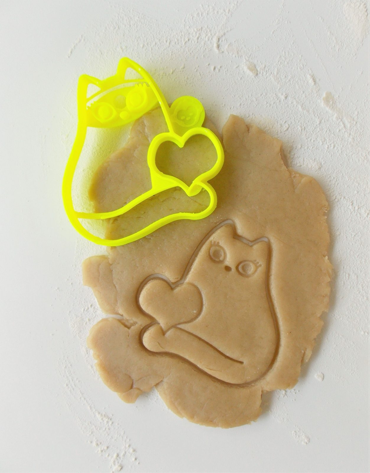 Cat With Heart Cookie Cutter