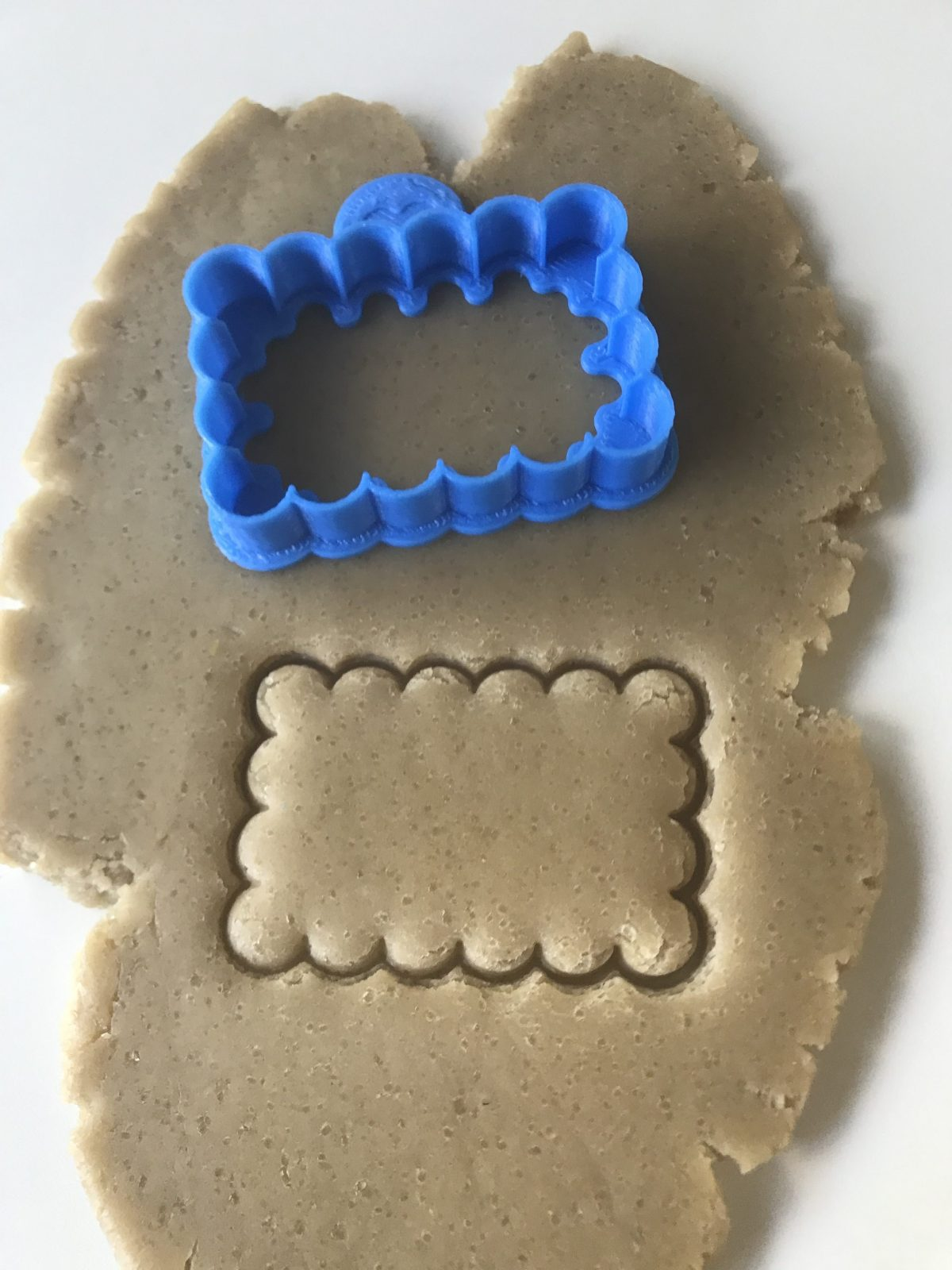 Scalloped Rectangle Frame Cookie Cutter
