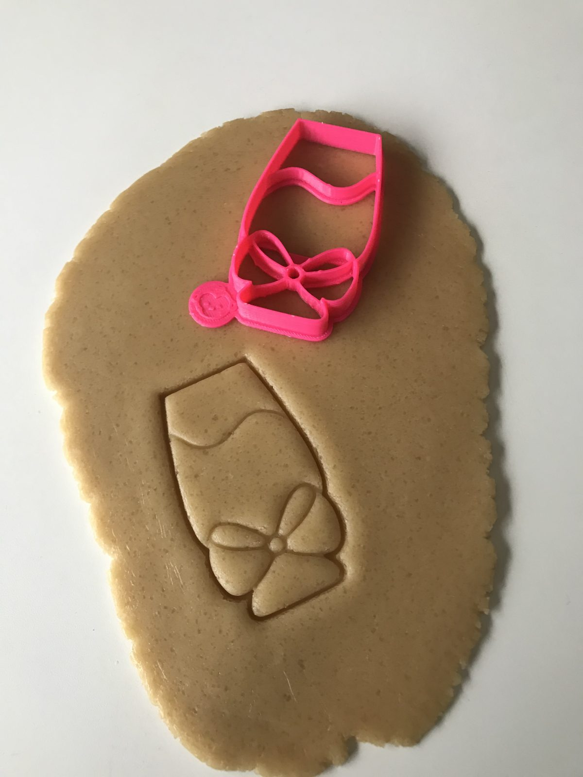 Champagne Glass WBow Cookie Cutter