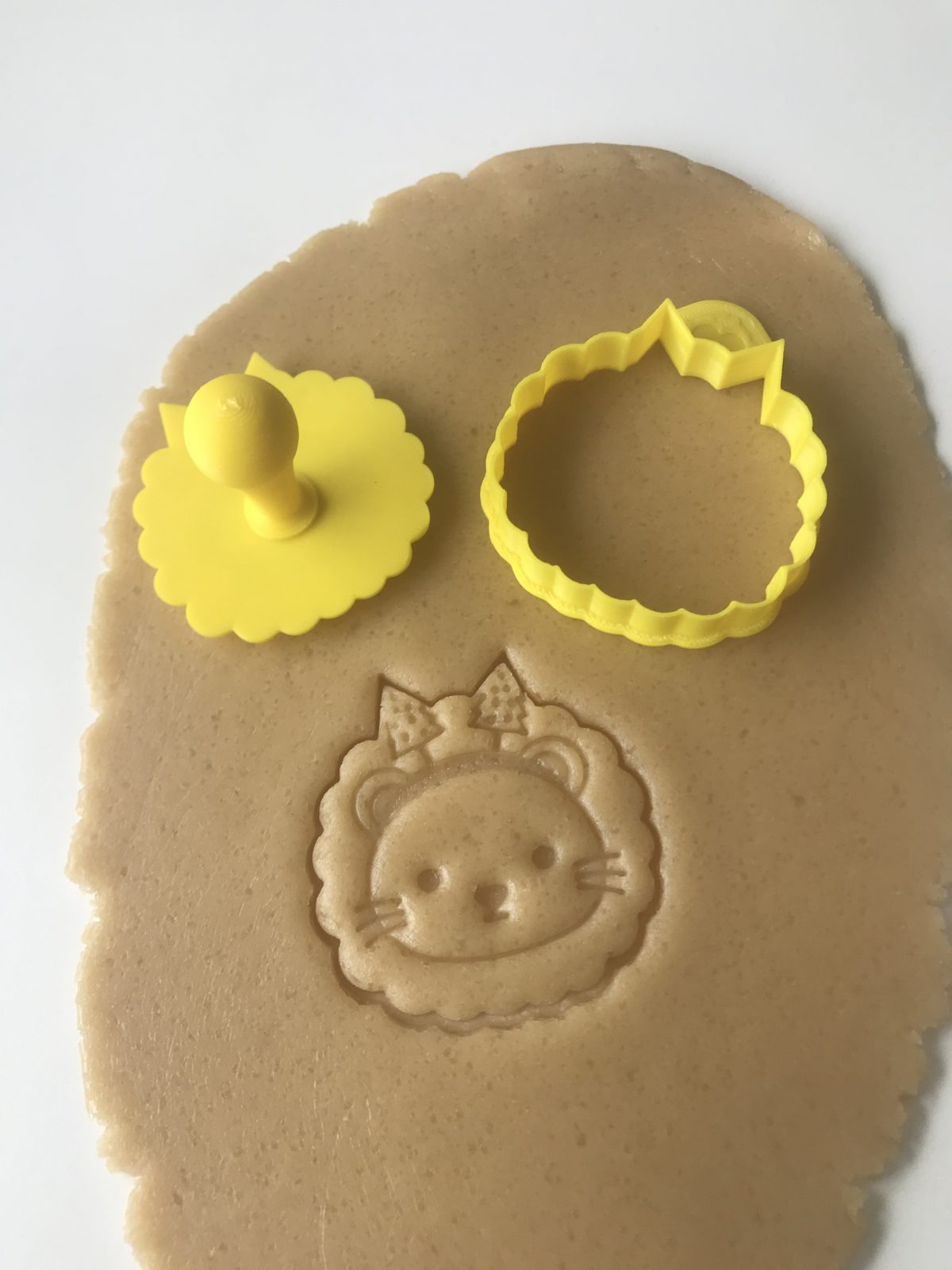 Christmas Lion Mini Cookie Cutter