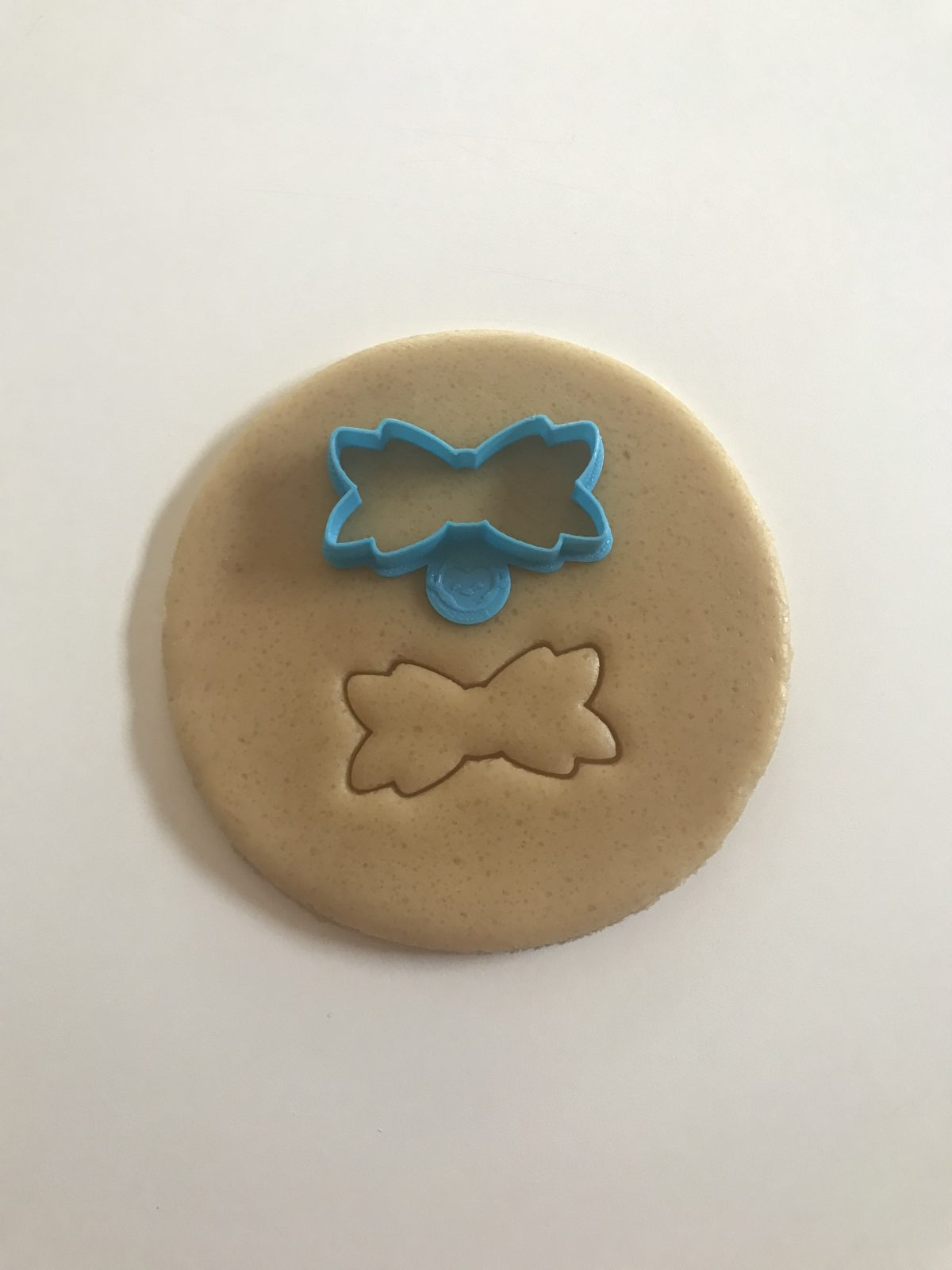 Bow Outline Mini Cookie Cutter
